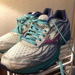 Mizuno Wave Catalyst Running Shoe